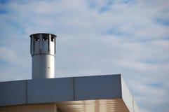 Moderne schoorsteen Stock Afbeeldingen
