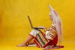 Moderne schrijver uit de klassieke oudheid Stock Afbeelding
