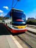Moderne Skoda-Tram auf der Endenstation stockfoto