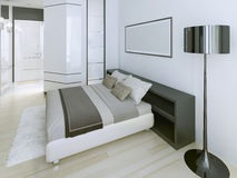 Moderne slaapkamer in luxeflat Royalty-vrije Stock Afbeelding