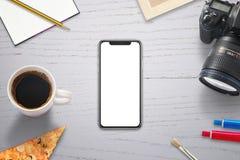 Moderne slimme telefoon met het nieuwe x gebogen scherm voor model Royalty-vrije Stock Foto's