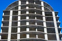 Moderne Stadt, die im Bau errichtet Stockbild
