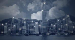 Moderne Stadt mit Netz schließen Technologie an lizenzfreies stockfoto