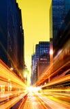 Moderne stedelijke stad bij nacht Royalty-vrije Stock Afbeelding