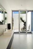Moderne stijl, badkamers Stock Afbeelding
