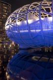 Moderne Struktur von Webb-Brücke nachdenkend über Yarra-Fluss Stockfotografie