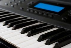 Moderne Synthesizer - het Toetsenbord van de Piano Stock Afbeelding