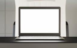 Moderne Tabelle des Laptop-leeren Bildschirms innerhalb des Innenkabinen-schnelle Geschwindigkeits-Zugs der ersten Klasse Leeres  Lizenzfreie Stockbilder