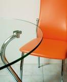 Moderne Tabelle und Stuhl Stockfotos