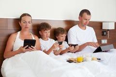 Moderne technologie in huis, Stock Foto's