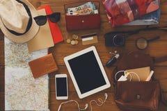 Moderne Technologien und Reisekonzept Lizenzfreie Stockfotos