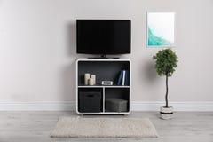 Moderne Televisie in woonkamer royalty-vrije stock foto's