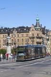 Moderne tram in Stockholm Royalty-vrije Stock Fotografie