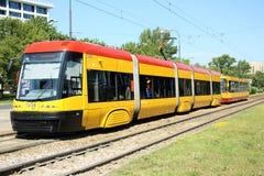 Moderne tram in Warshau, Polen Stock Foto