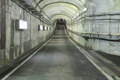 Moderne tunnel voor wegvoertuigenvervoer Stock Foto