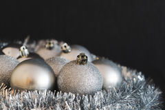 Moderne uitstekende hoge contrastfoto van glanzende, heldere zilveren Chris Royalty-vrije Stock Foto