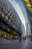 Moderne und großartige Bürogebäude auf mehr London-Flussufer Stockfoto