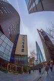 Moderne und großartige Bürogebäude auf mehr London-Flussufer Lizenzfreies Stockbild