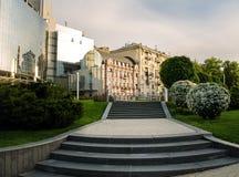 Moderne und historische Architektur stockfoto