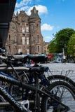 Moderne und mittelalterliche Architektur in Edinburgh Lizenzfreie Stockfotos