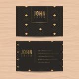 Moderne und saubere Designvisitenkarteschablone im goldenen abstrakten Hintergrund für Geschäft Abstrakter Hintergrund für die Au Lizenzfreie Stockfotografie