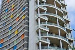 Moderne Unterkunftwohnungen und Details Fassade, Mitte stockfotografie