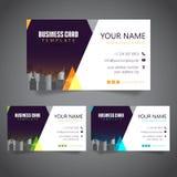 Moderne Unternehmensvisitenkarte mit 3 abwechselnden Farben und Vectorized Gebäuden lizenzfreie stockbilder