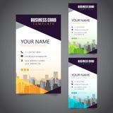 Moderne Unternehmensvisitenkarte mit 3 abwechselnden Farben und Vectorized Gebäuden stockfotografie