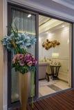 Moderne van de het balkondecoratie van het luxe binnenlandse huis het ontwerpvilla Royalty-vrije Stock Fotografie