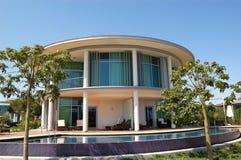 Moderne villa bij luxehotel Royalty-vrije Stock Foto's