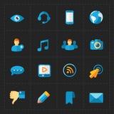 Moderne vlakke sociale die pictogrammen op Zwarte worden geplaatst Royalty-vrije Stock Fotografie