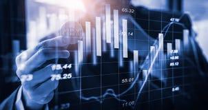 Moderne Weise des Austausches Bitcoin ist bequeme Zahlung in globalem Stockfoto