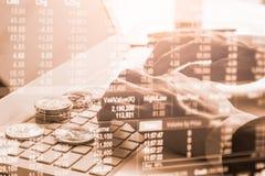 Moderne Weise des Austausches Bitcoin ist bequeme Zahlung in globalem Lizenzfreies Stockfoto