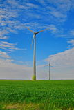 Moderne Windmühlen-Turbine, Wind-Leistung, grüne Energie Stockfotos