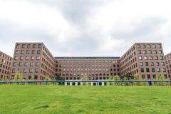 Moderne Wohngebäude und Büros in Berlin, Deutschland Lizenzfreie Stockfotos