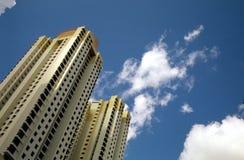 Moderne Wohnungen des hohen Anstiegs Stockbild