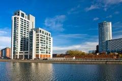 Moderne Wohnungen und Geschäftszentrum in Liverpool Lizenzfreies Stockfoto