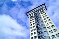 Moderne wolkenkrabber Royalty-vrije Stock Afbeeldingen