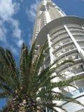 Moderne wolkenkrabber bij Gouden Kust de stad in Stock Foto