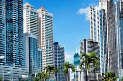 Moderne Wolkenkratzer Lizenzfreie Stockfotografie