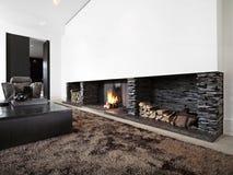 Moderne woonkamer met grote open haard Royalty-vrije Stock Afbeelding