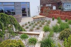 Moderne zen gemodelleerde tuin Royalty-vrije Stock Afbeeldingen