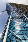 Moderner Bürogebäude Turm in Abu Dhabi UAE Lizenzfreies Stockfoto