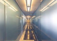 Moderner Büroinnenraum mit Reflexionen Lizenzfreie Stockfotografie