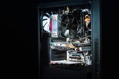 Moderner Computerkasten vollständig zusammengebaut Stockfotos