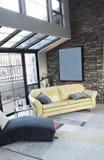 Moderner Dachbodenstudioinnenraum Lizenzfreie Stockbilder