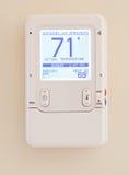 Moderner elektronischer Thermostat Stockfoto