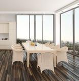 Moderner Esszimmerinnenraum, der eine Stadt übersieht Lizenzfreies Stockfoto