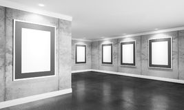 Moderner Galerieraum mit Poster auf Wänden Lizenzfreies Stockbild