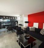 Moderner Hausinnenraum, Wohnzimmer lizenzfreies stockfoto